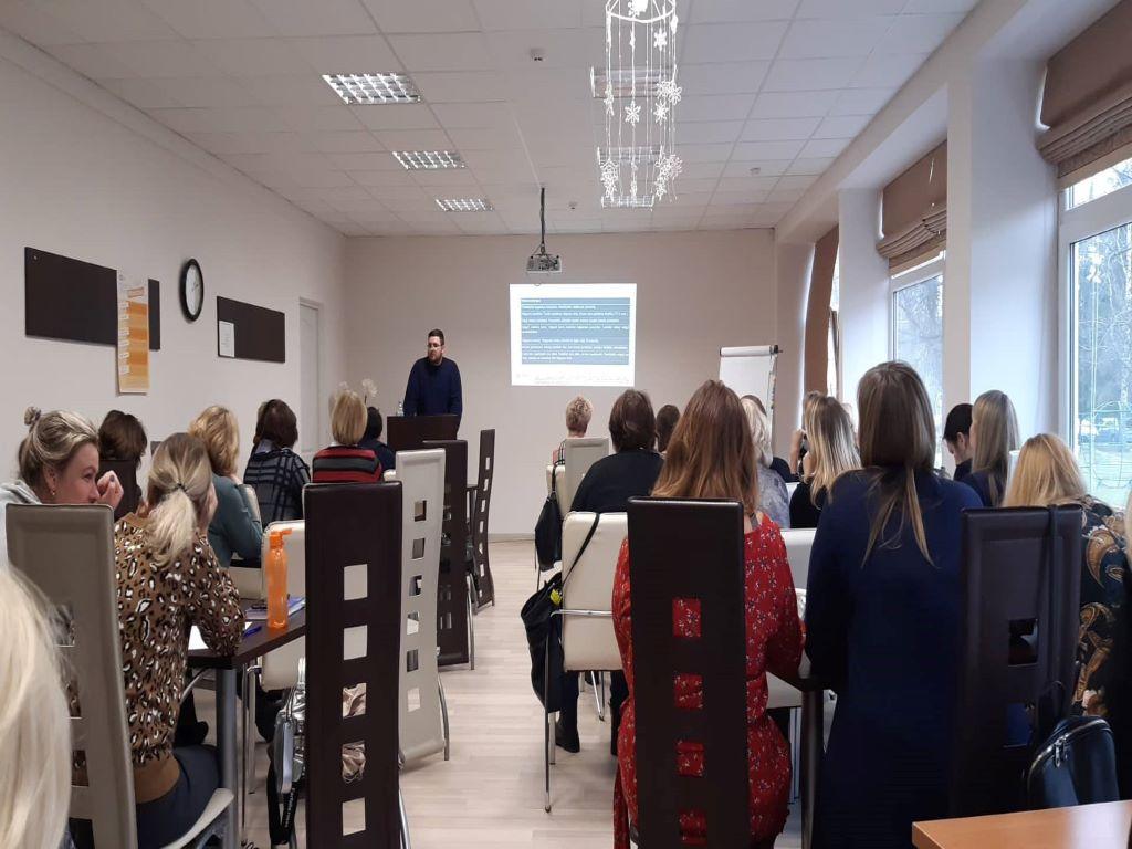 """Seminaras  """"Įvairiapusių raidos sutrikimų turinčių vaikų ugdymosi iššūkiai ir galimybės"""""""
